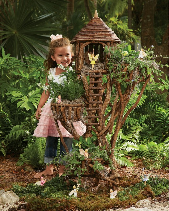 Chasing Fireflies Woodland Birdhouse Planter. Image provided by David Niggli / Anna Shryver, MaxComPR